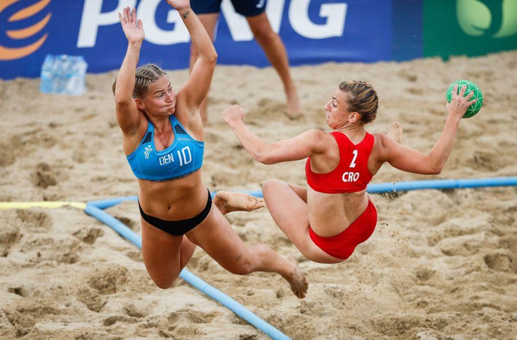 Beachhandball kann äußerst spektakulär sein und wird womöglich bald olympisch. Foto: imago images / Ritzau Scanpix/Uros Hocevar/kolektiff/EHF