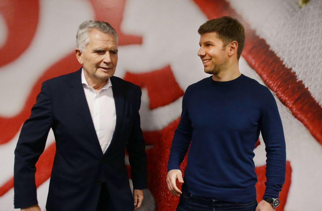 Wolfgang Dietrich (li.) hat Thomas Hitzlspergers Aufstieg beim VfB in die Wege geleitet. Foto: Baumann