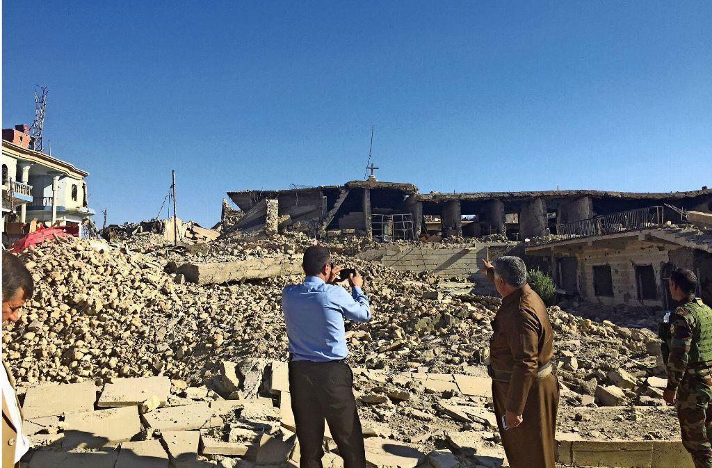 IS-Milizen haben diese Kirche in Shingal zerstört. Weitere Bilder –  zum Beispiel von Michael Bume mit Amal Clooney-  gibt es in unserer Fotostrecke. Foto: privat/Fatma Tetik