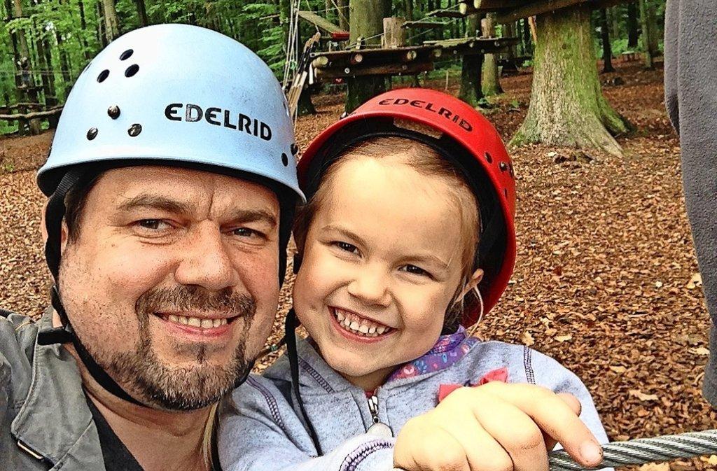 Seit zwei Jahren hat Thomas Karzelek seine Tochter Lara nicht gesehen. Foto: privat