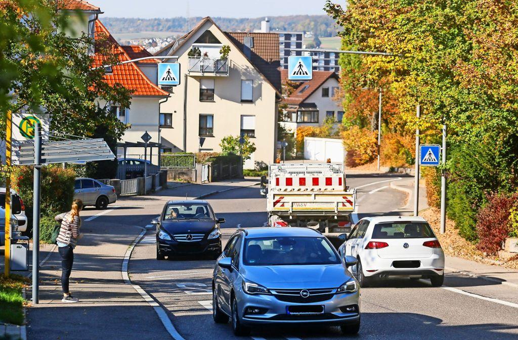 Nur am Bildstöckle ist eine  Möglichkeit, die Straße zu überqueren. Foto: factum/Granville