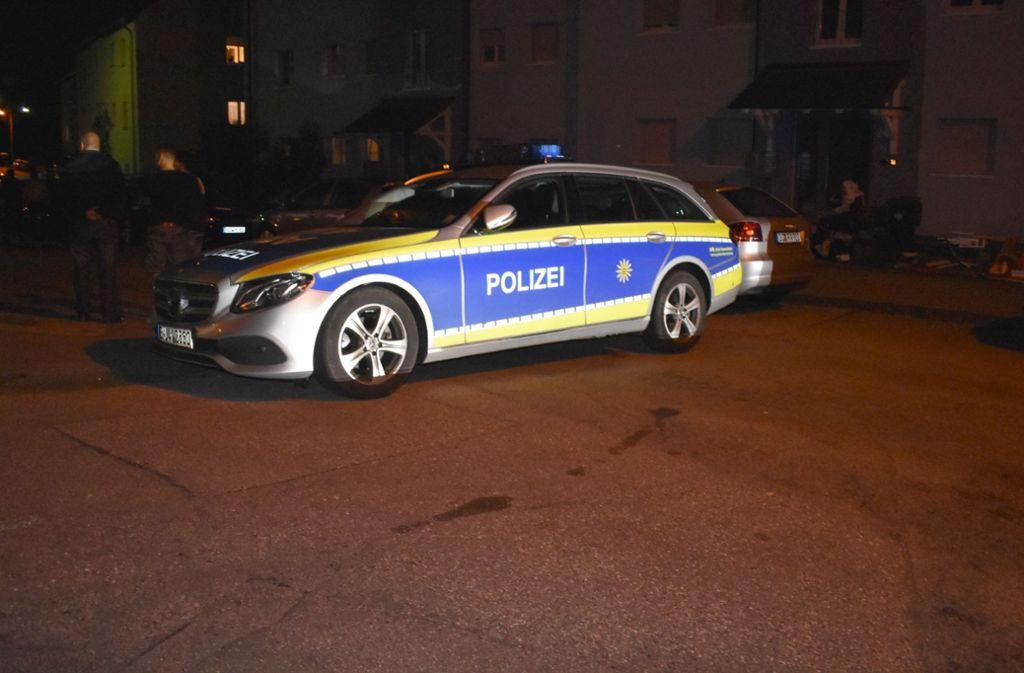 Die Polizei rückte mit mehreren Wagen an. Foto: SDMG