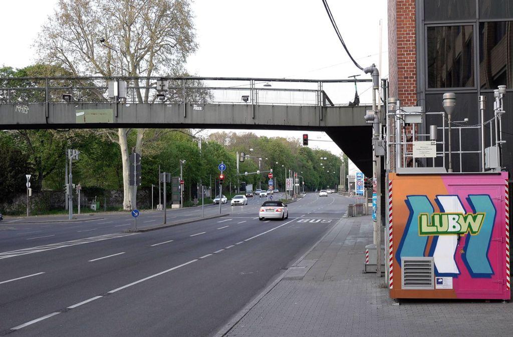 Die Messstelle am Neckartor: der Verkehr ist zurückgegangen, die Luftqualität hat sich verbessert. Foto: 7aktuell.de/Alexander Hald