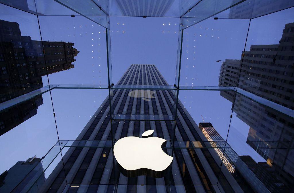 Apple-Logo vor einem Geschäft des Konzerns in New York: Apple soll in Irland rund 13 Milliarden Euro Steuern nachzahlen – so will es zumindest die EU-Kommission. Foto: AP