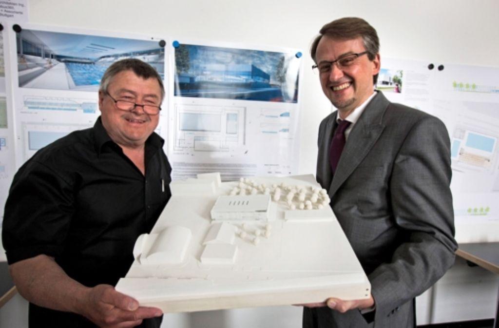 Matthias Hahn (links) hört zum 31. August auf. Foto: Michael Steinert