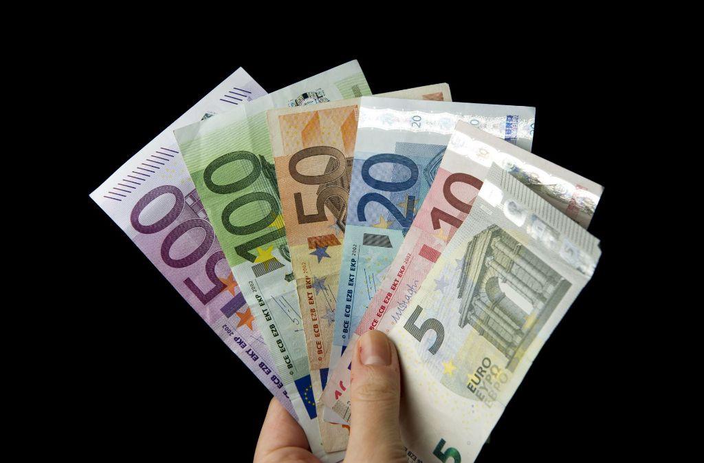 Dem Fiskus im Süwesten gehen jährlich rund 350 Millionen Euro verloren (Symbolbild). Foto: dpa