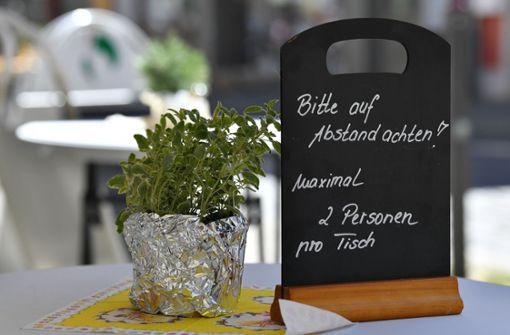 Bars und Kneipen sollen Gäste bald draußen bewirten dürfen