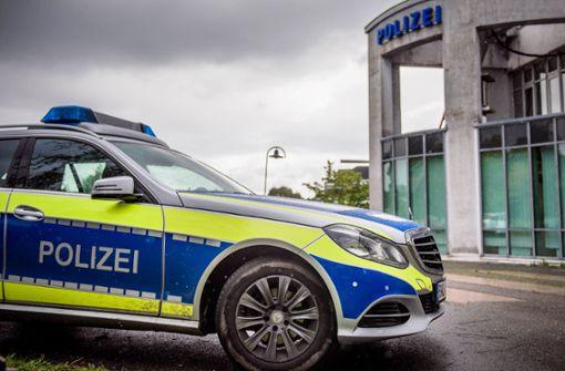 Betrunkener Autofahrer verletzt Polizisten