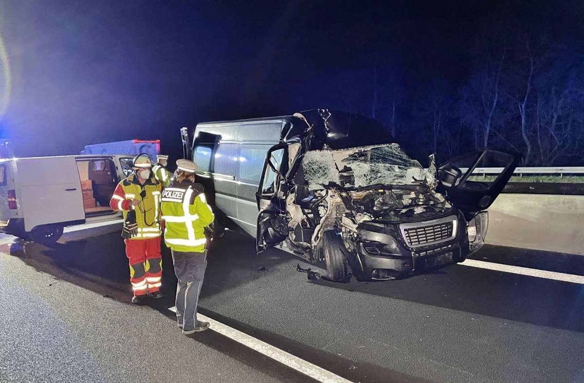 Auf der A8 bei Rutesheim ist es zu einem schweren Unfall gekommen. Foto: 7aktuell.de/Alexander Hald
