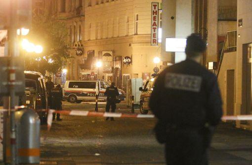 Vier Tote bei Terror-Anschlag - Razzien im Umfeld des Täters