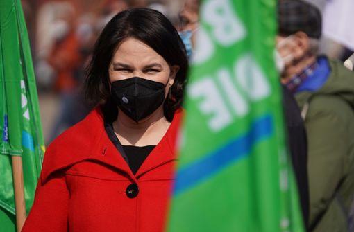 Grünen-Kanzlerkandidatin will Kurzstreckenflüge abschaffen