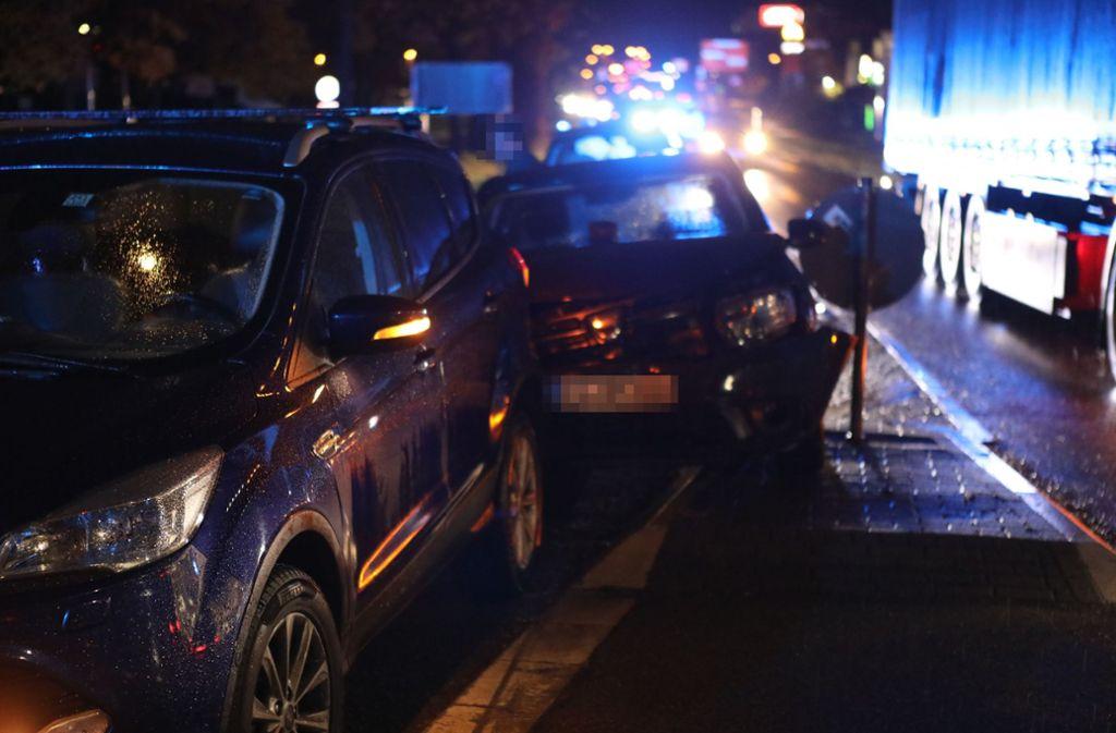 Bei dem Unfall werden drei Menschen verletzt. Foto: SDMG/SDMG / Maier