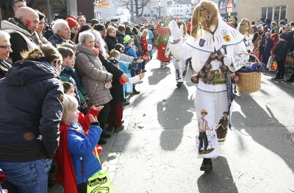 In der fünften Jahreszeit haben große und kleine Narren in der Faschingshochburg Neuhausen ihren Spaß. Foto: 7aktuell.de/Daniel Jüptner