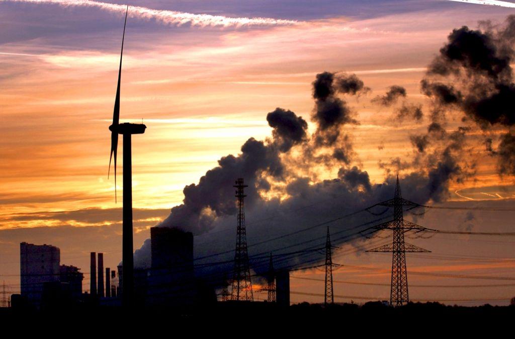 Die Experten streiten darüber, was die Energiewende kostet und was  es kosten würde, wenn es sie nicht gäbe. Foto: dpa