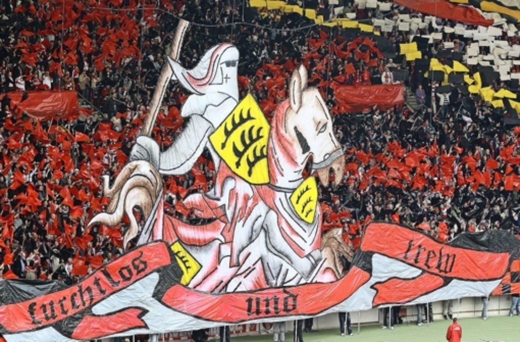 Die Fans des VfB Stuttgart stehen zu ihrem Team und haben vor allem in ihren Pendants vom Karlsruher SC ein Feindbild gefunden. Foto: baumann