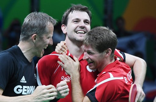 Tischtennis-Team spielt sich mit Boll zu Bronze