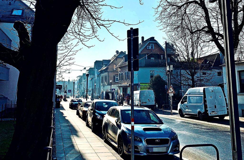 Durch das Facelifting im Sommer geht es auf der Filderbahnstraße nicht belebter als vorher  zu. Gastronomen und Einzelhändlern ist das Lachen vergangen. Foto: Götz Schultheiss