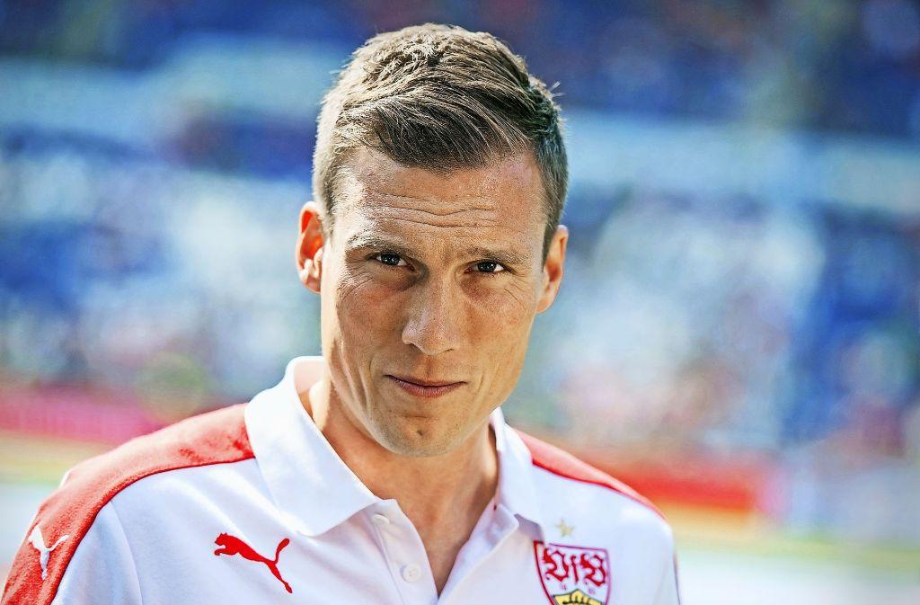 """Hannes Wolf kann zum VfB-Trainingsauftakt nur zwei neue Spieler begrüßen – und sagt: """"Es gibt immer Unterschiede zwischen Wünschen und Realitäten."""" Foto: dpa"""