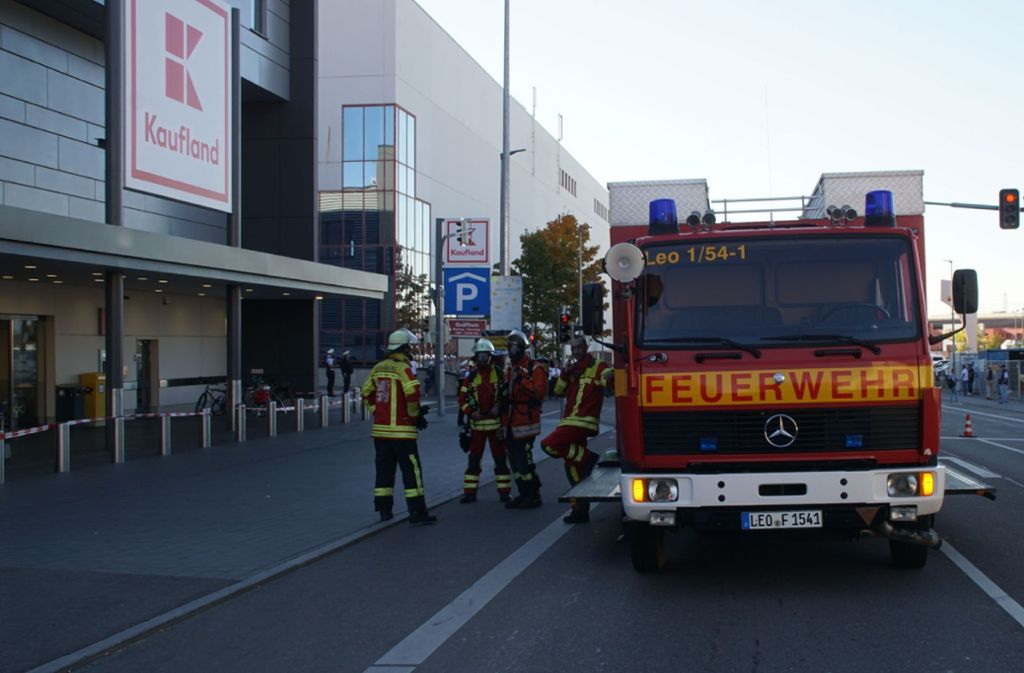 Die Feuerwehr musste zu einem Einsatz in einem Supermarkt ausrücken. Foto: SDMG