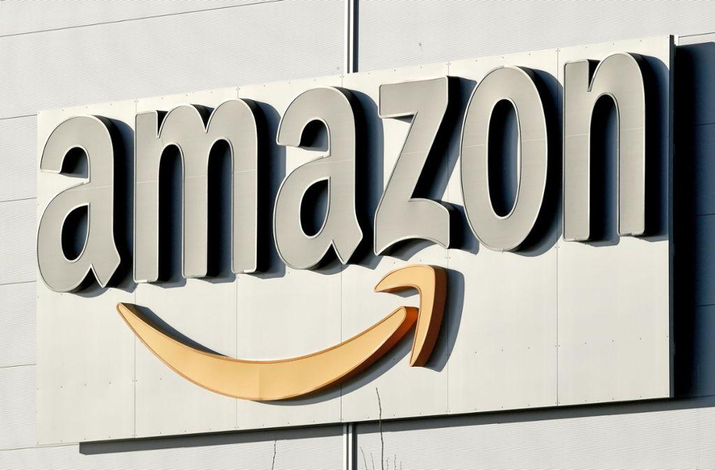 Amazon gerät derzeit unter Druck: Grund sind zum Verkauf stehende Nazi-Artikel. Foto: dpa