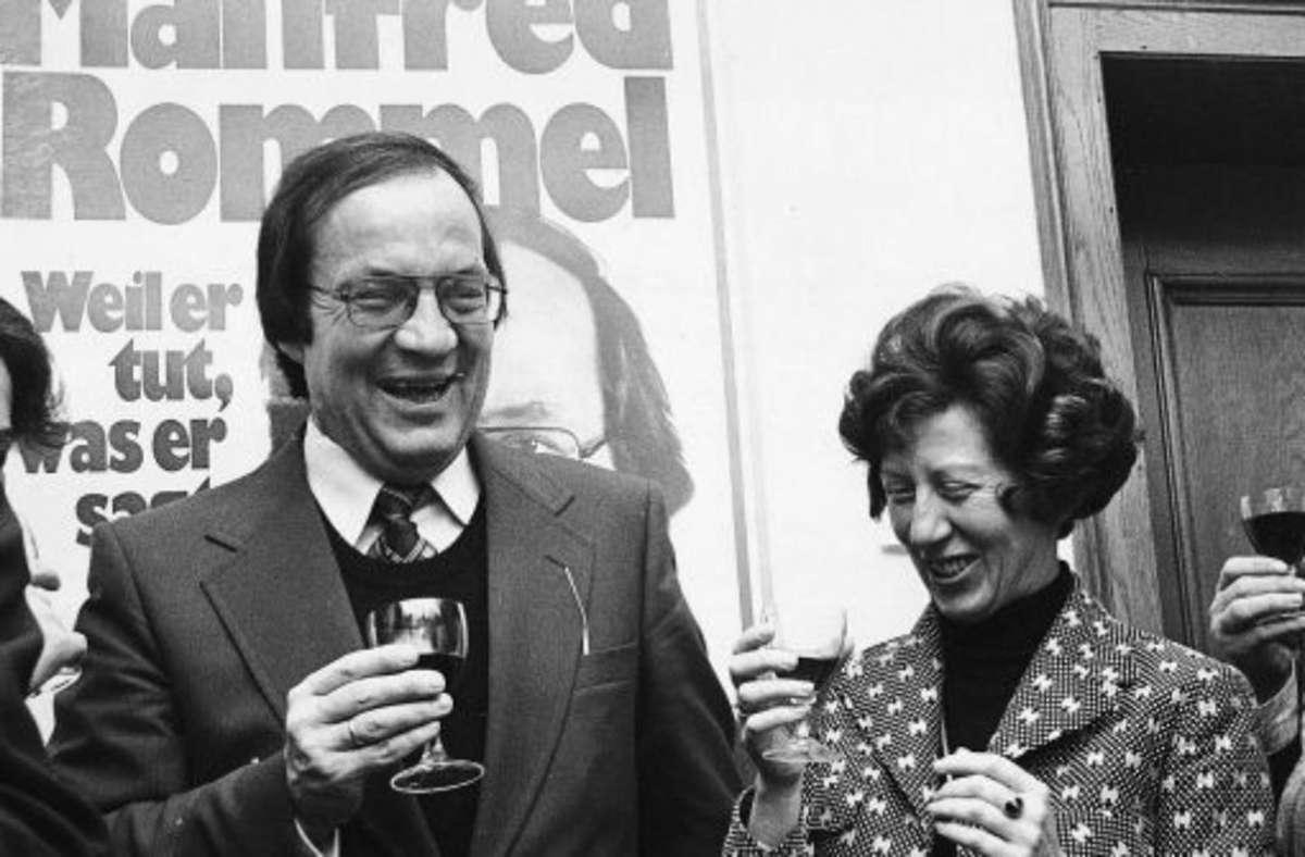 Manfred Rommel bei seiner Wahl 1974 mit seiner Frau Foto: dpa