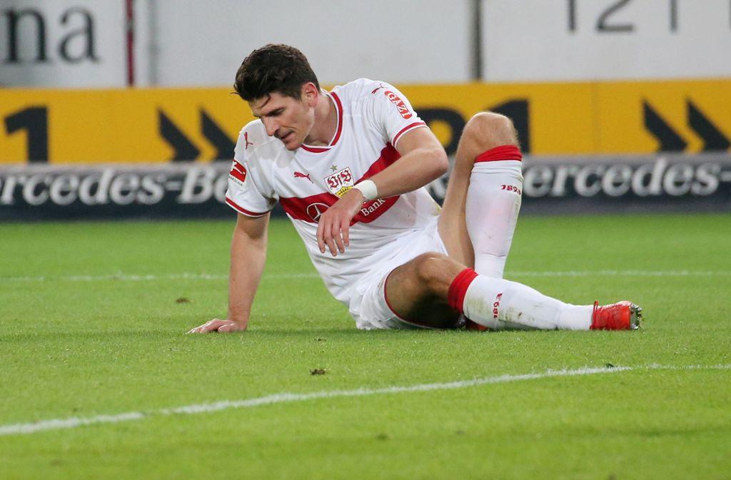 Mario Gomez vom VfB Stuttgart hat sich gegen Eintracht Frankfurt verletzt. Foto: Pressefoto Baumann
