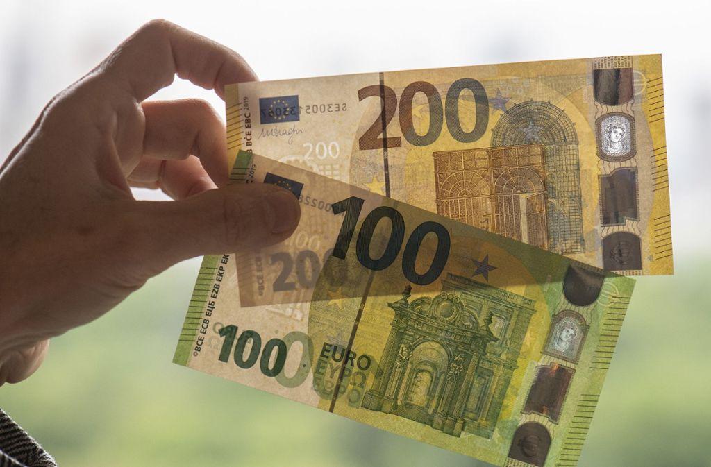 Immer wieder bringen Kriminelle Falschgeld in Umlauf. Foto: dpa