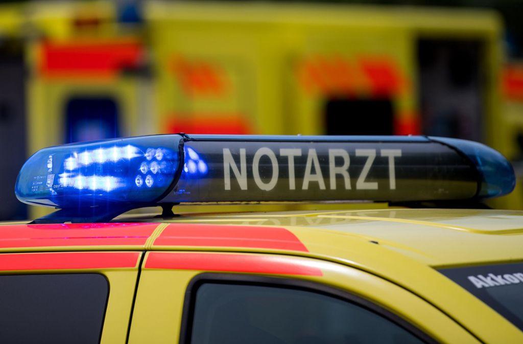 Die 79-Jährige stirbt noch am Unfallort (Symbolbild). Foto: ZB
