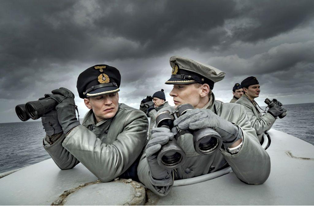 August Wittgenstein als 1. Wachoffizier Tennstedt (links) und Rick Okon als Kapitänleutnant Klaus Hoffmann Foto: Bavaria/Sky/Sonar