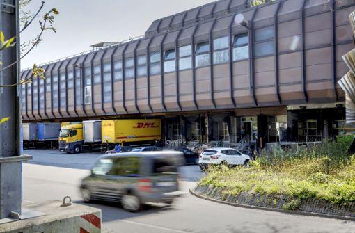 Stadt bietet Post riesige Fläche für Paketlogistik