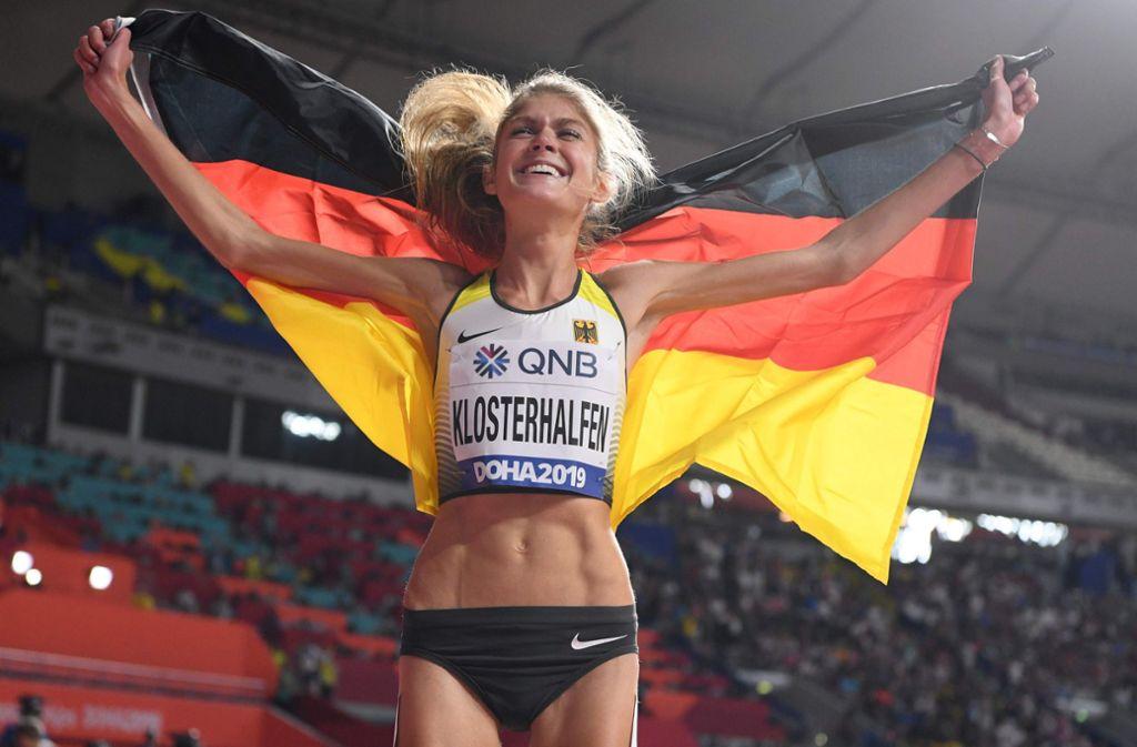 Klosterhalfen holte damit als erste deutsche Läuferin über diese Distanz eine WM-Medaille. Foto: AFP/KIRILL KUDRYAVTSEV