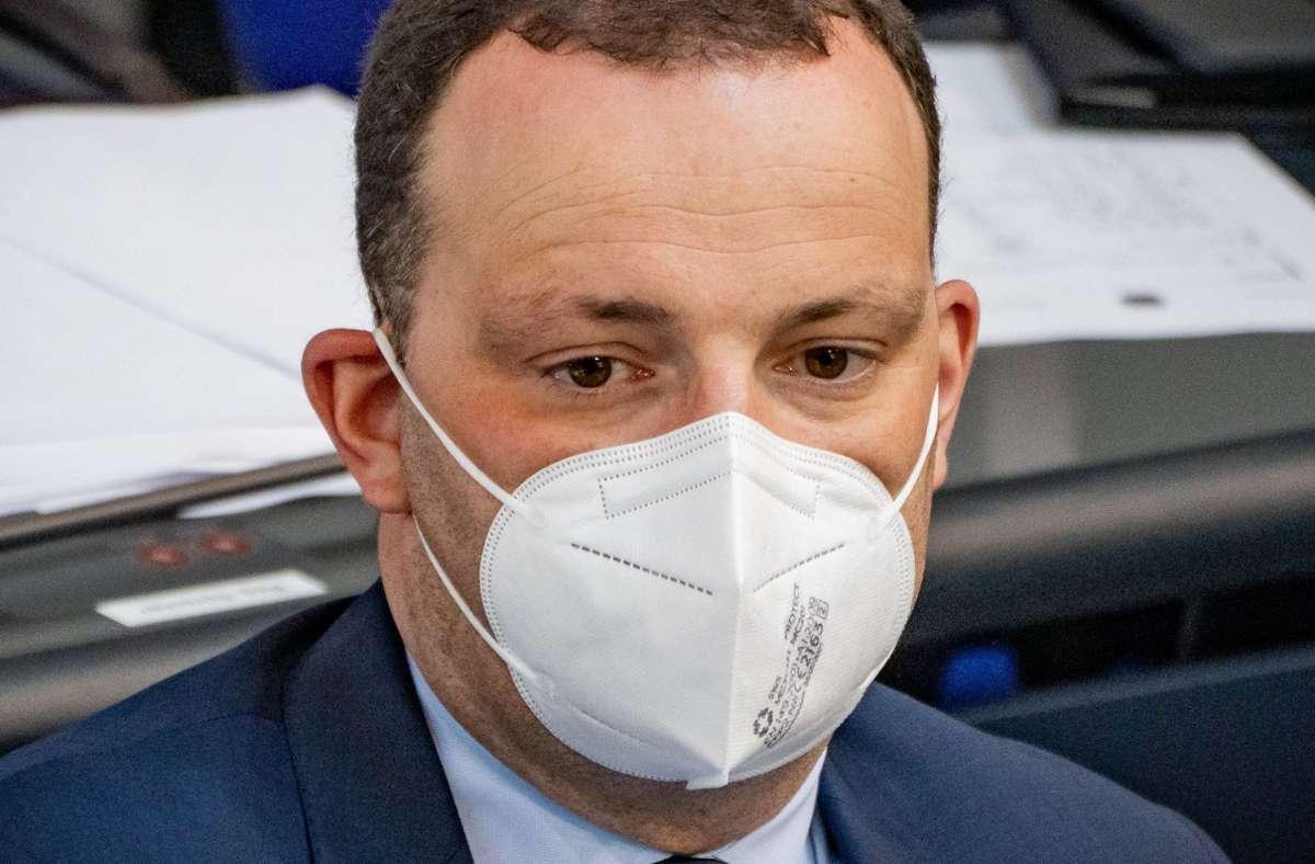 Jens Spahn äußert sich in der Debatte um die Maskenpflicht. Foto: dpa/Michael Kappeler