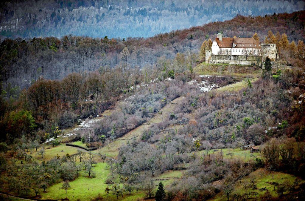 Das Schloss Ebersberg  thront über Auenwald –es gehört der Deutschen Pfadfinderschaft St. Georg Foto: Gottfried Stoppel