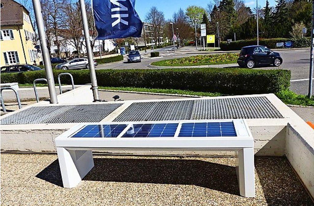 Die Solarbank steht zwischen dem Kreisverkehr an der Garbe und der BW-Bank in Stuttgart-Plieningen. Foto: z/privat