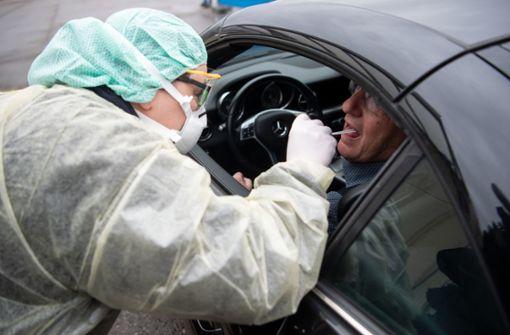 """Coronavirus-""""Drive-In"""" startet in der Region Stuttgart"""
