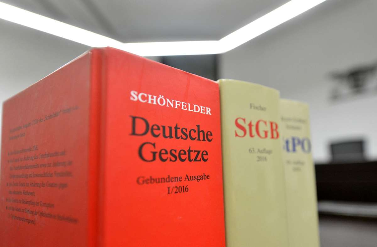 Einer der Beschuldigten im Missbrauchskomplex Münster muss für neun Jahre ins Gefängnis. (Symbolbild) Foto: dpa/Franziska Kraufmann