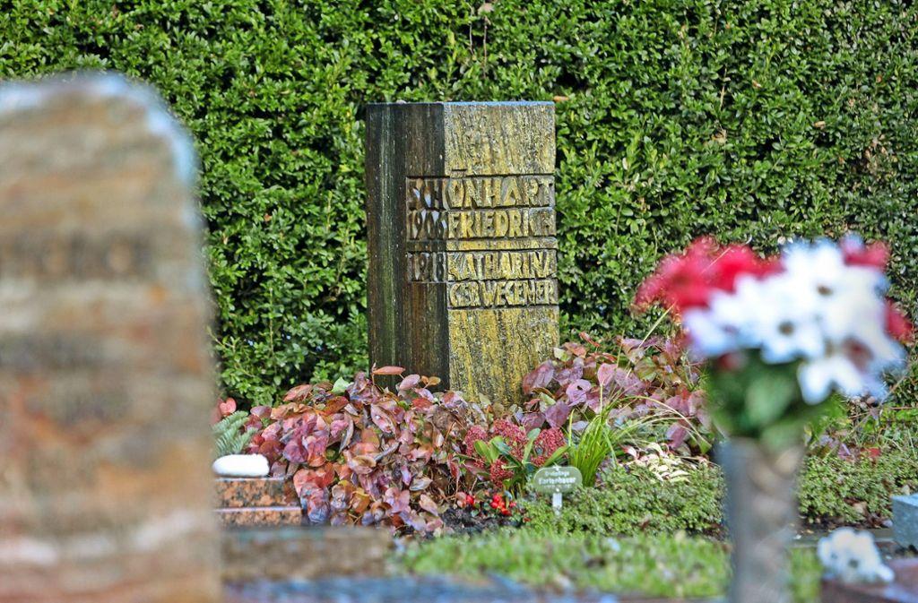 Auf dem Sindelfinger Burghaldenfriedhof ist Sigfried Uiberreither alias Friedrich Schönharting begraben worden. Foto:factum/Bach Foto: