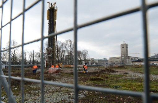Stuttgart 21 soll nun doch weiter gebaut werden. Das verlautete am Donnerstag aus Bahn-Aufsichtsratskreisen. Foto: dpa