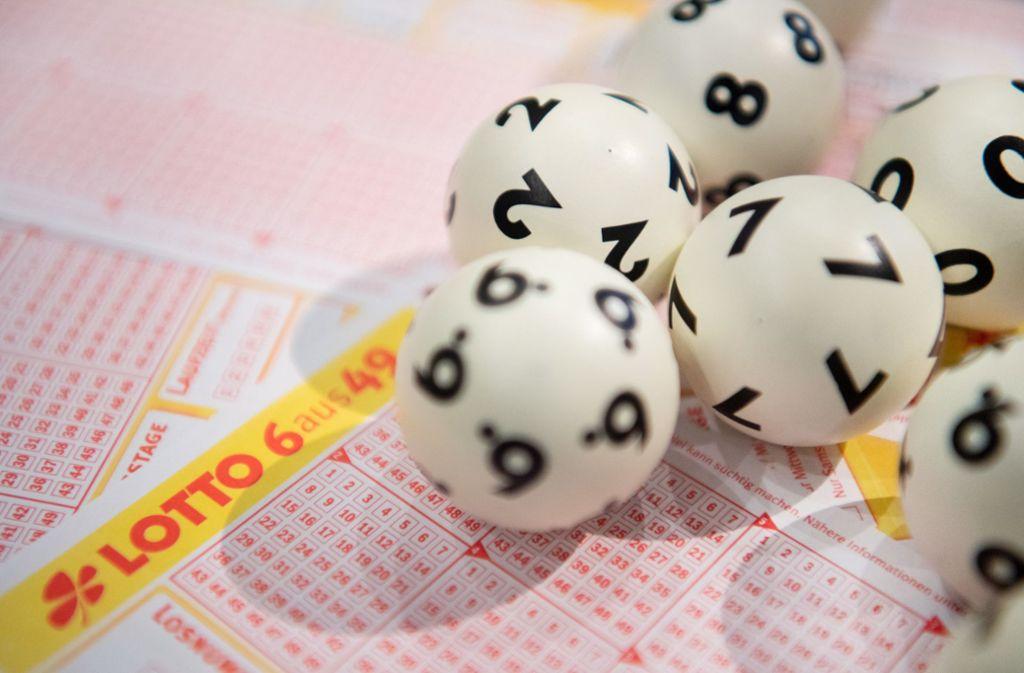 Bereits zwölf Lottospieler aus Baden-Württemberg haben in diesem Jahr eine Million Euro oder mehr gewonnen. Foto: dpa/Tom Weller