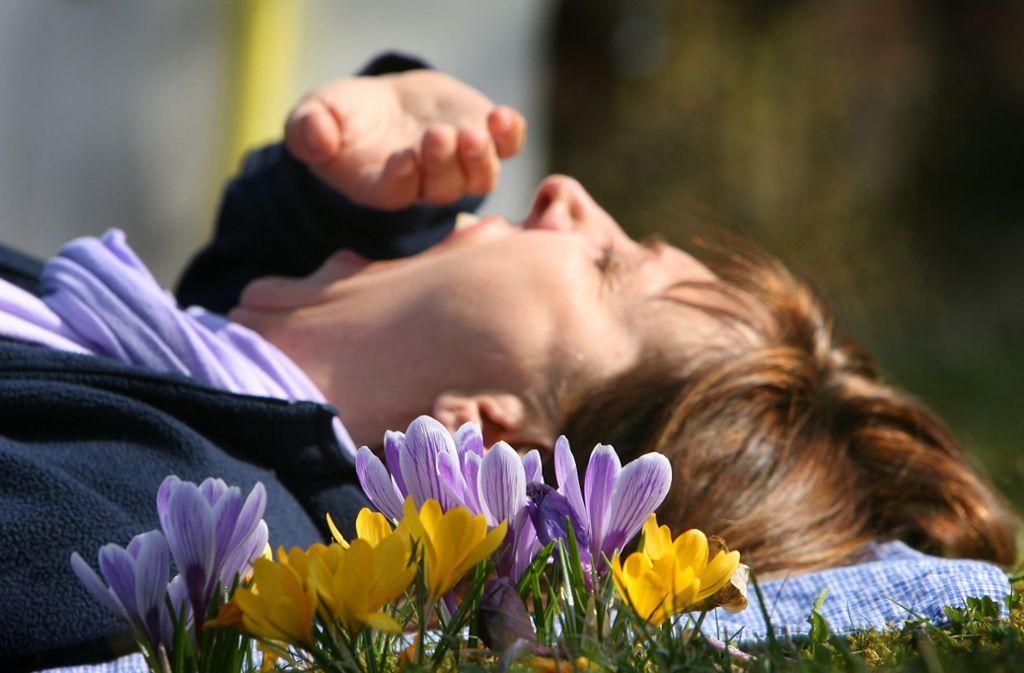 Im März und April fühlen sich viele Menschen schlapp und müde. Ein Grund sind die Hormone. Foto: dpa