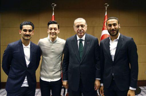 Rücktritt nach Beleidigung von Özil und Gündogan