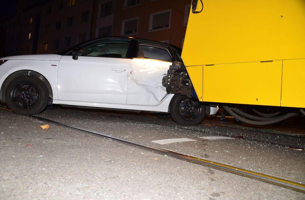 Schwerer Stadtbahn-Unfall in Stuttgart-Bad Cannstatt. Foto: Andreas Rosar Fotoagentur-Stuttg