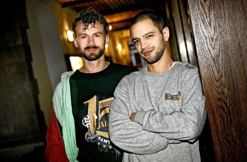 Harry Delgas (li.) und   Marco Schubert schreiben zusammen ihre Rap-Texte Foto: Ines Rudel