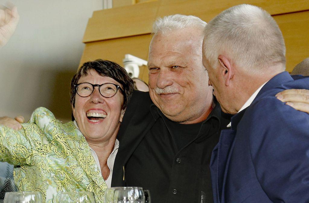 Die Grünen, hier Gabriele Nuber-Schöllhammer, Fraktionssprecher Andreas Winter und OB Fritz Kuhn (v.l.) wollen ein Investitionspaket auflegen. Foto: Lg/Piechowski