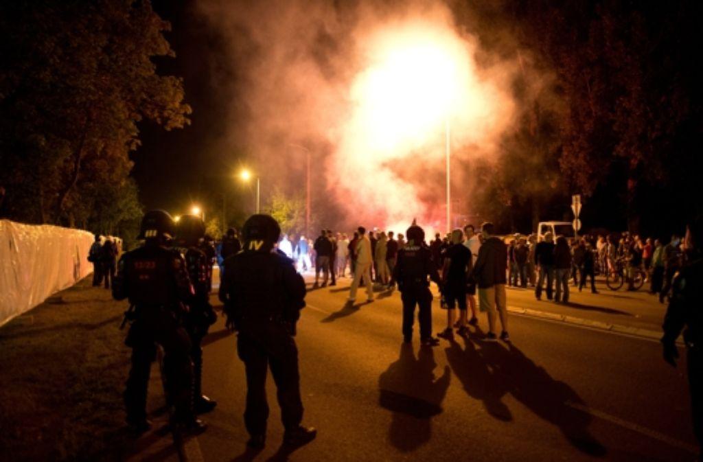 Krawall in Heidenau:  Bei Zusammenstößen wurden auch zahlreiche Polizisten verletzt. Foto: dpa