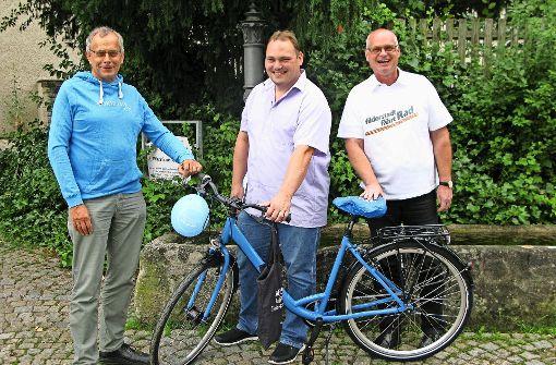 Schatzsucher freuen sich über neue Fahrräder
