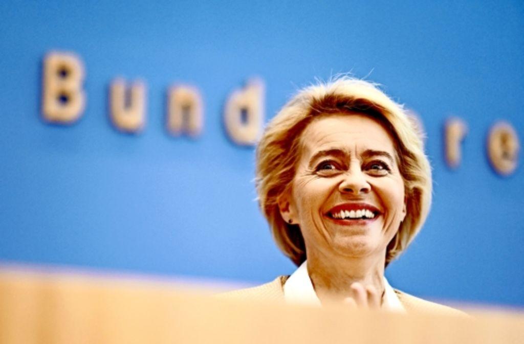 Seit sie Verteidigungsministerin ist, sinken Ursula von der Leyens Beliebtheitswerte in der Bevölkerung. Foto: dpa