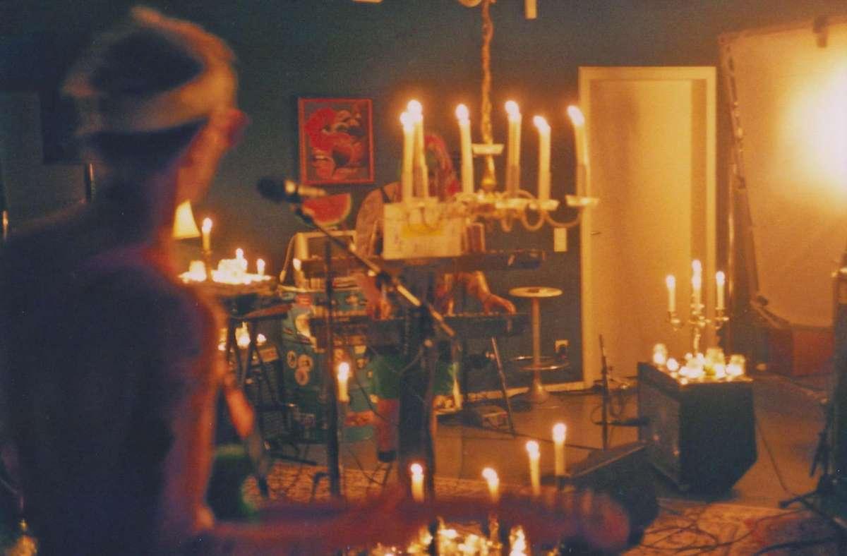 """Vier Tage dekoriert: Mayla im Cann Backstage, hier ein Still aus ihrem Konzertfilm """"Beachfuck"""" Foto: Mayla"""