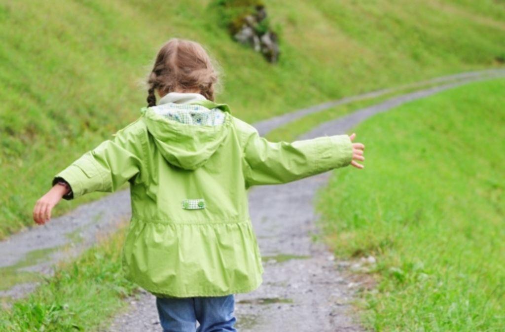 Wenn Kindern die Freiheit fehlt, jedes Familienmitglied lieben zu dürfen, geraten sie in ein Dilemma. Foto: Sodapix AG