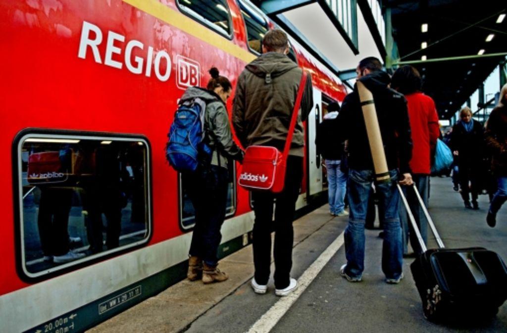 Insgesamt 16 Regionalbahnen können an drei Tagen wegen der Krankheitswelle nicht fahren. Foto: dpa